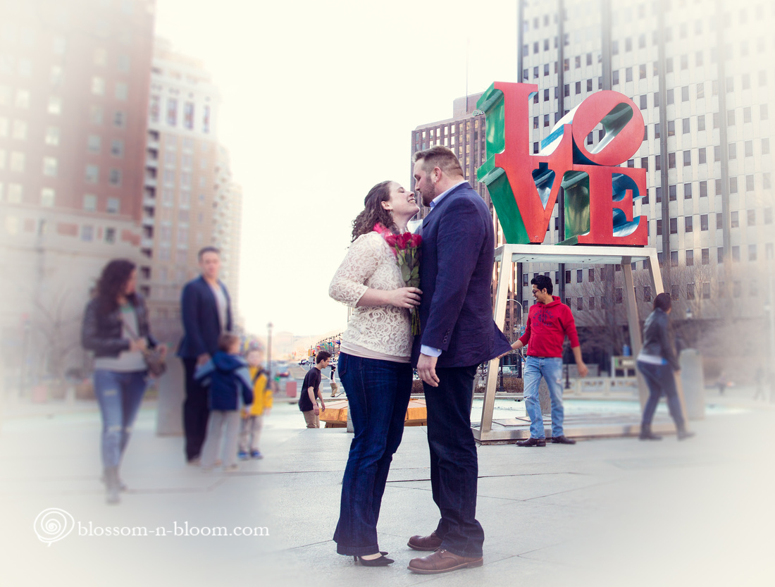 Photo from engagement session in Philadelphia, photo from engagement session at Philadelphia's Love Park, Love Park photo session, Philadelphia Area Photographer